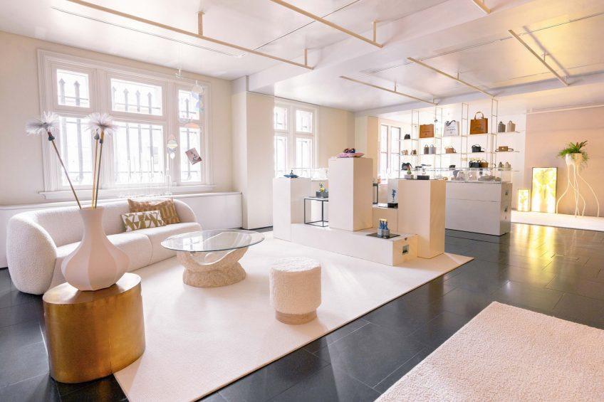 W Amsterdam Luxury Hotel - Amsterdam, Netherlands - X Bank Amsterdam Decor