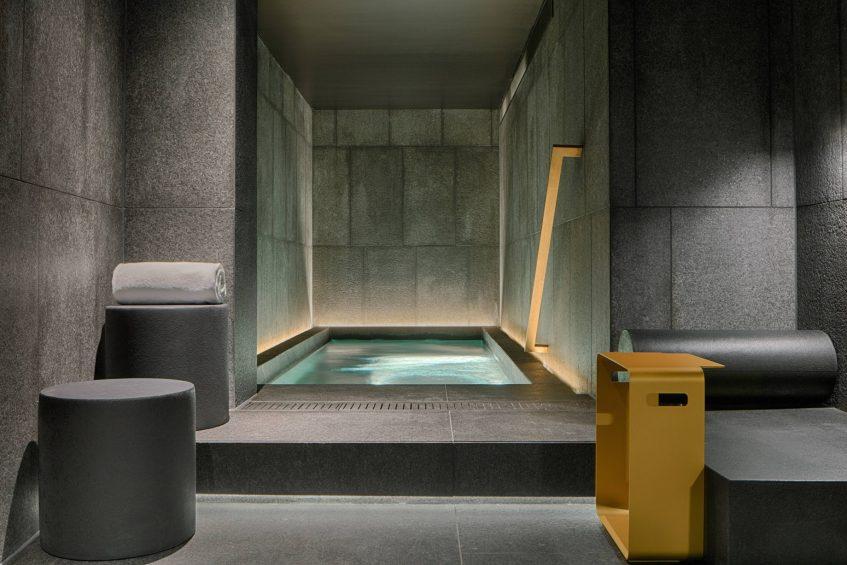 W Amsterdam Luxury Hotel - Amsterdam, Netherlands - AWAY Spa Jacuzzi