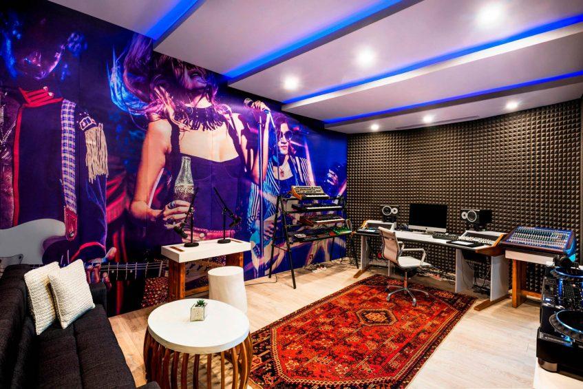 W Bali Seminyak Luxury Resort - Seminyak, Indonesia - W Sound Suite Music Studio