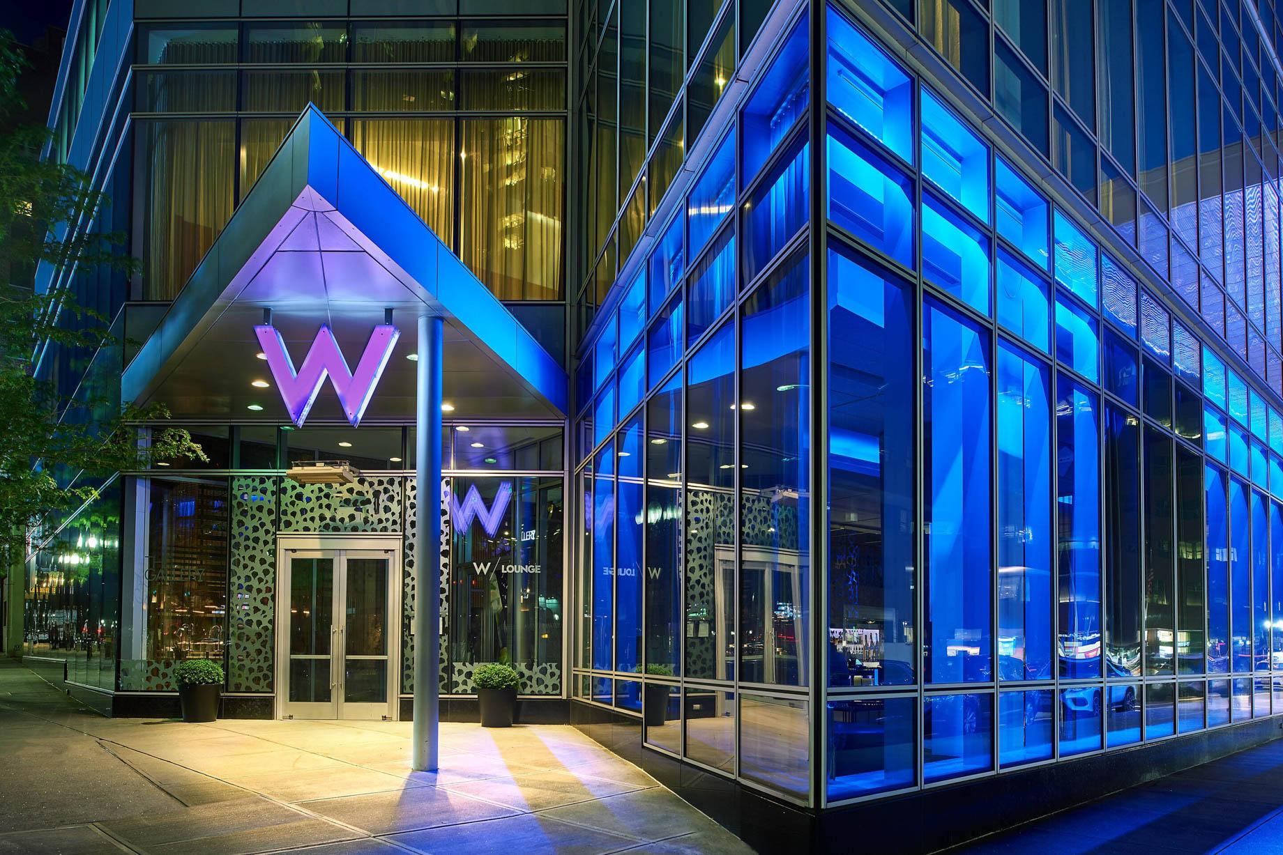 W Boston Luxury Hotel - Boston, MA, USA - Hotel Front Entrance