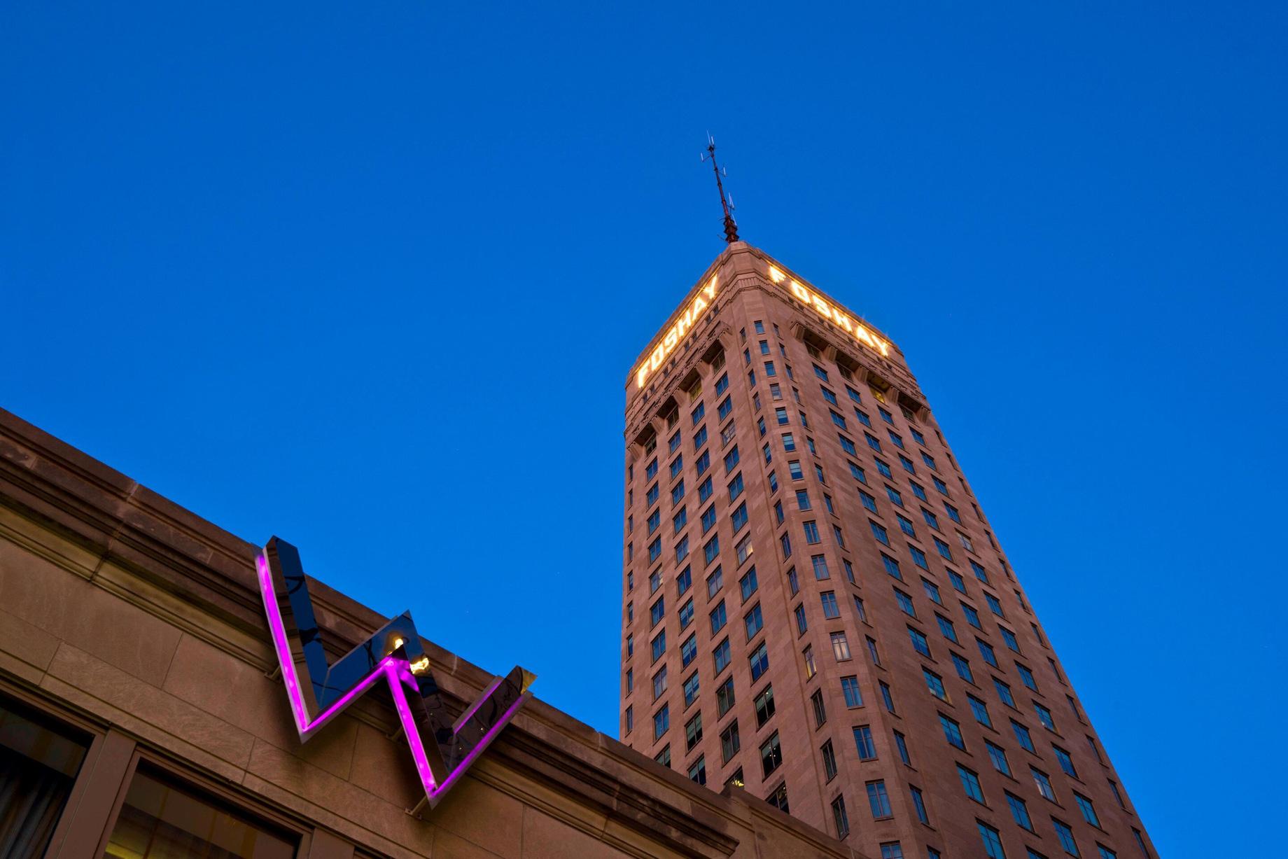 W Minneapolis The Foshay Luxury Hotel - Minneapolis, MN, USA - Hotel Exterior W Sign