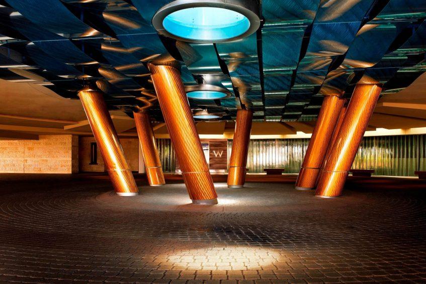 W Scottsdale Luxury Hotel - Scottsdale, AZ, USA - Lobby Porte Cochere