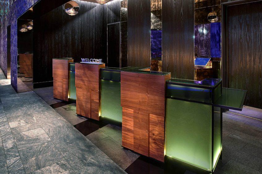 W Boston Luxury Hotel - Boston, MA, USA - Lobby Reception Desk