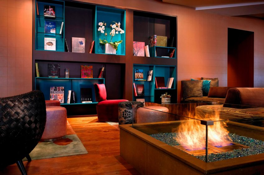 W Scottsdale Luxury Hotel - Scottsdale, AZ, USA - The Living Room Lounge