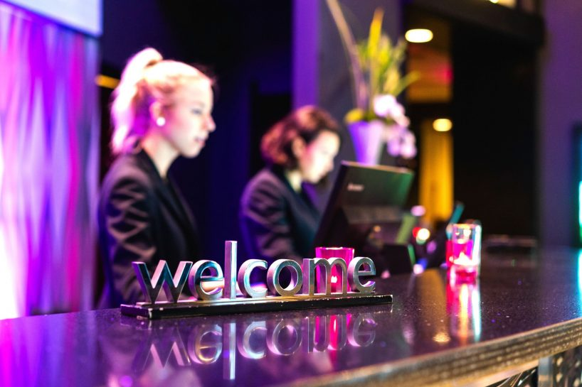 W Seattle Luxury Hotel - Seattle, WA, USA - Hotel Welcome Desk