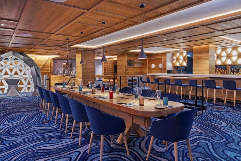 W Aspen Luxury Hotel - Aspen, CO, USA - Living Room