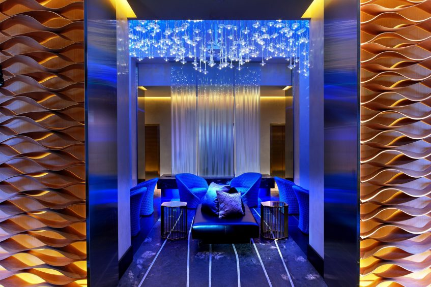 W Los Angeles West Beverly Hills Luxury Hotel - Los Angeles, CA, USA - Oasis