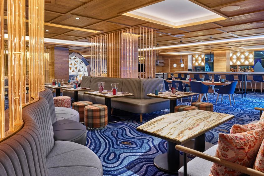 W Aspen Luxury Hotel - Aspen, CO, USA - Living Room Decor