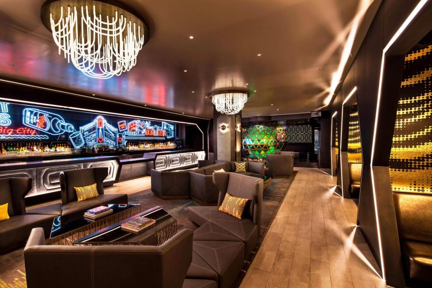 W New York Times Square Luxury Hotel - New York, NY, USA - Living Room Bar