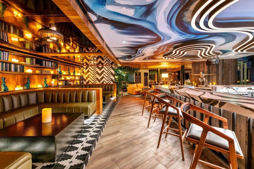 W Scottsdale Luxury Hotel - Scottsdale, AZ, USA - Cottontail Cafe and Lounge Seating