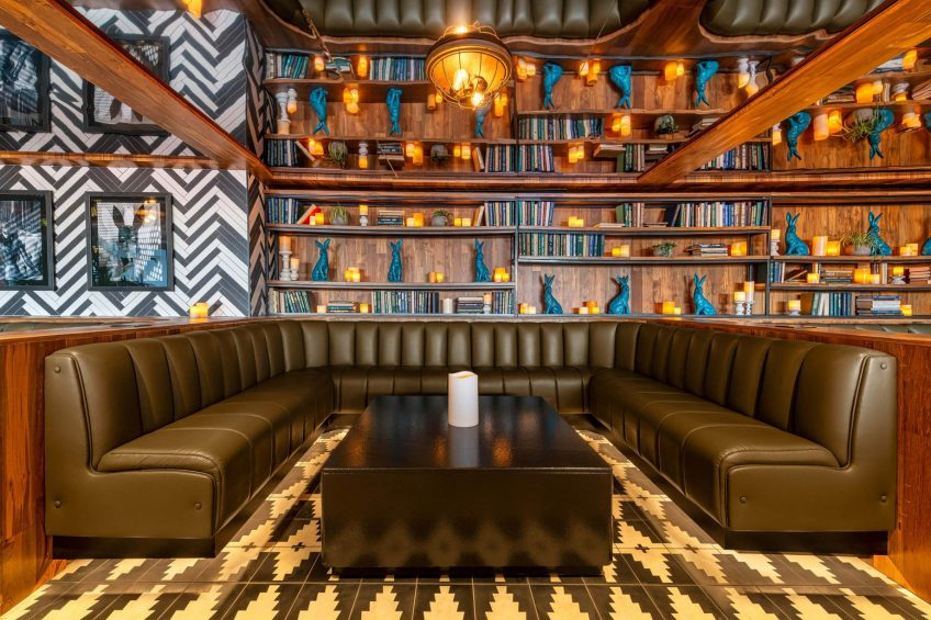 W Scottsdale Luxury Hotel - Scottsdale, AZ, USA - Cottontail Cafe and Lounge Booth