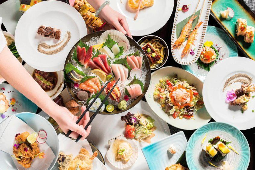 The St. Regis Changsha Luxury Hotel - Changsha, China - Un Restaurant Food Selection