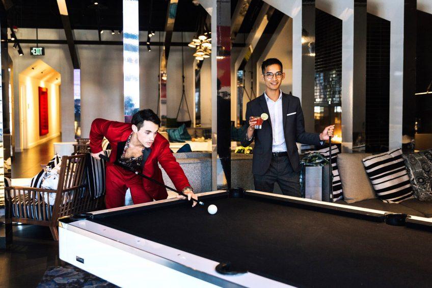 W Bellevue Luxury Hotel - Bellevue, WA, USA - Living Room Bar