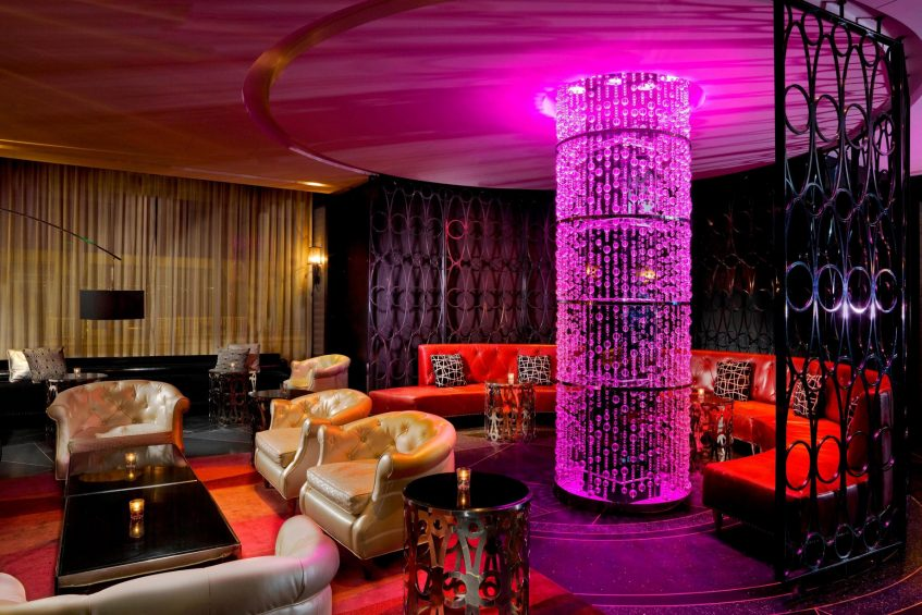 W Minneapolis The Foshay Luxury Hotel - Minneapolis, MN, USA - Living Room