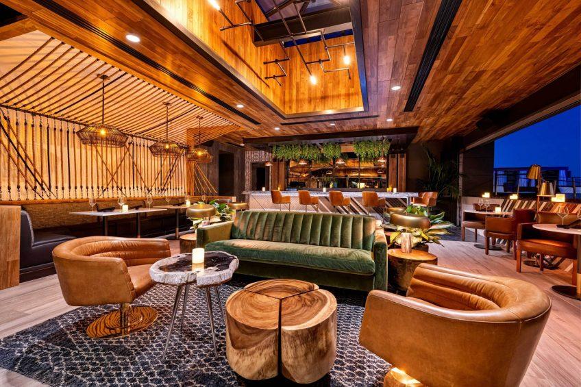W Scottsdale Luxury Hotel - Scottsdale, AZ, USA - Cottontail Cafe and Lounge Decor