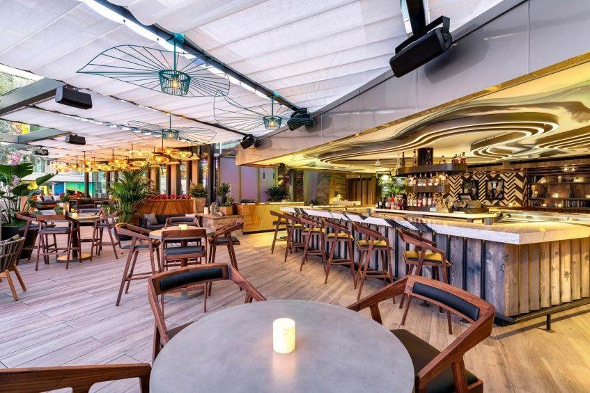 W Scottsdale Luxury Hotel - Scottsdale, AZ, USA - Cottontail Cafe and Lounge Tables