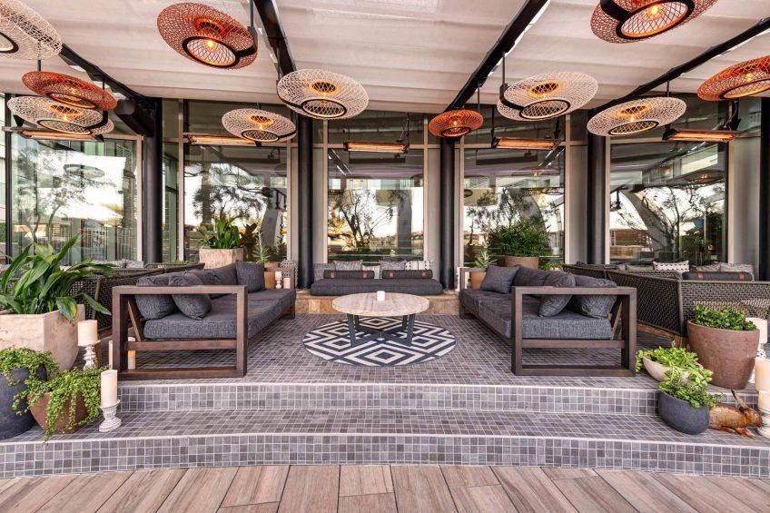 W Scottsdale Luxury Hotel - Scottsdale, AZ, USA - Cottontail Cafe and Lounge Exterior Seating