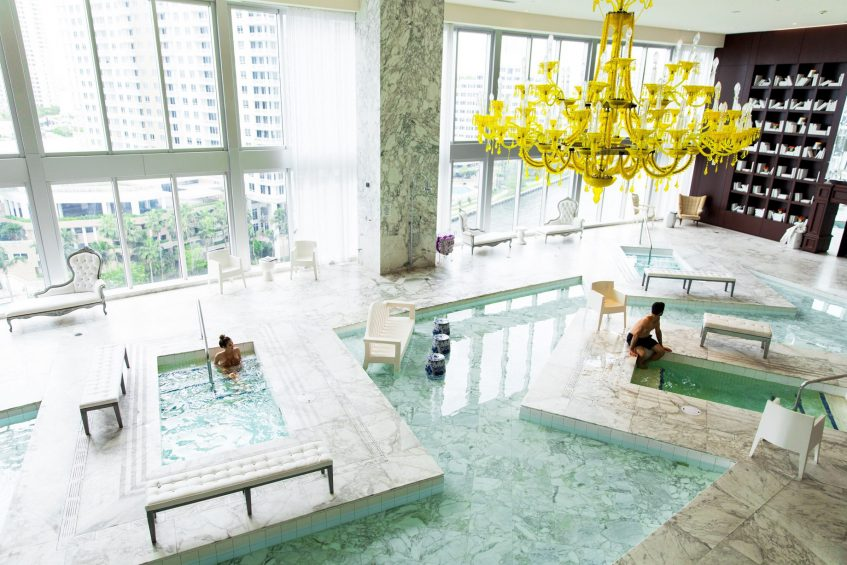 W Miami Luxury Hotel - Miami, FL, USA - Iconbrickell Spa Poolside