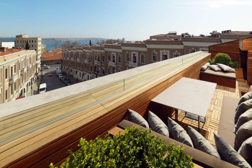 W Istanbul Luxury Hotel - Istanbul, Turkey - E Wow Suite Outdoor Terrace