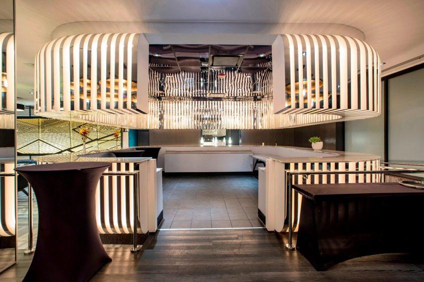 W Chicago Lakeshore Luxury Hotel - Chicago, IL, USA - CURRENT Restaurant Decor