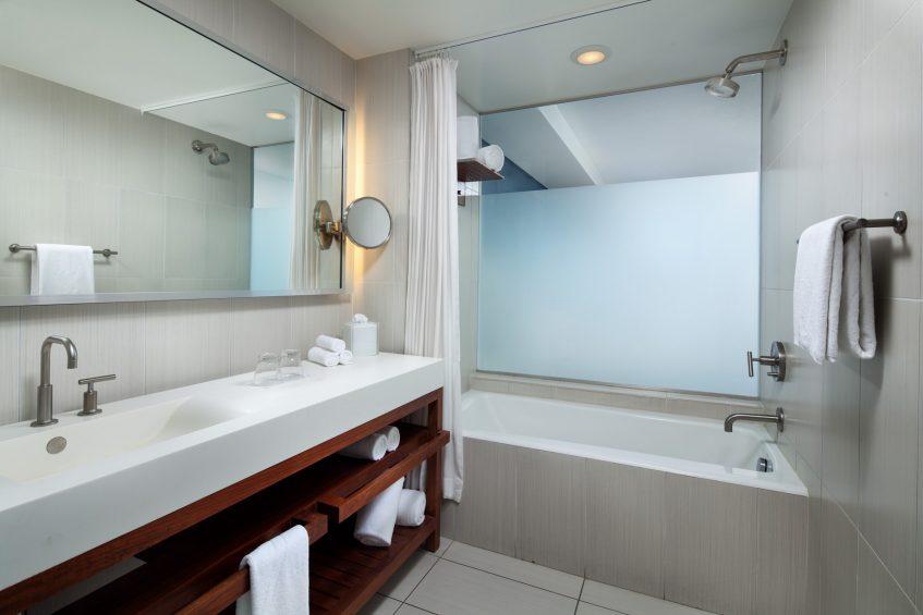 W Fort Lauderdale Luxury Hotel - Fort Lauderdale, FL, USA - Guest Room Bathroom Tub