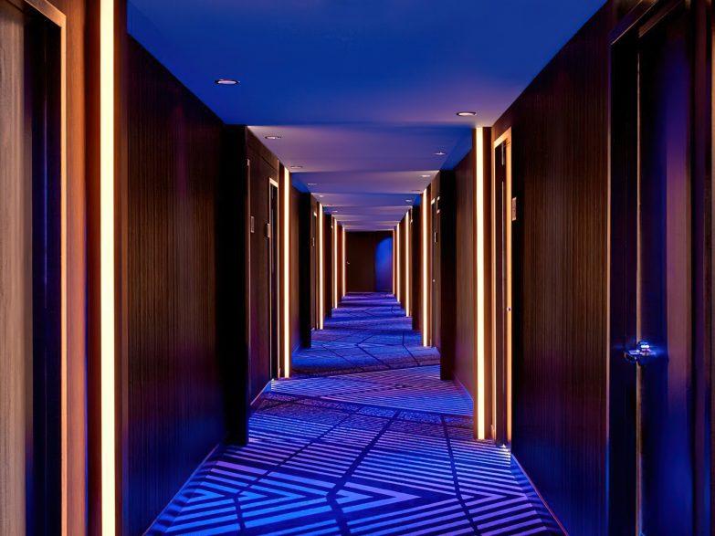 W Chicago Lakeshore Luxury Hotel - Chicago, IL, USA - Hallway