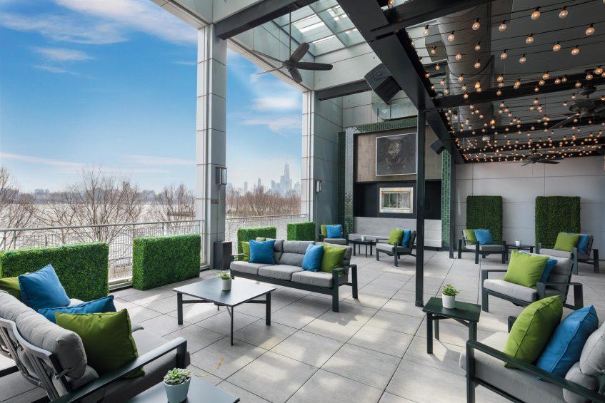 W Hoboken Luxury Hotel - Hoboken, NJ, USA - LULU Terrace