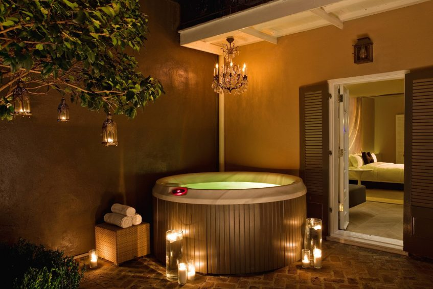W New Orleans French Quarter Luxury Hotel - New Orleans, LA, USA - Studio Suite Private Jacuzzi