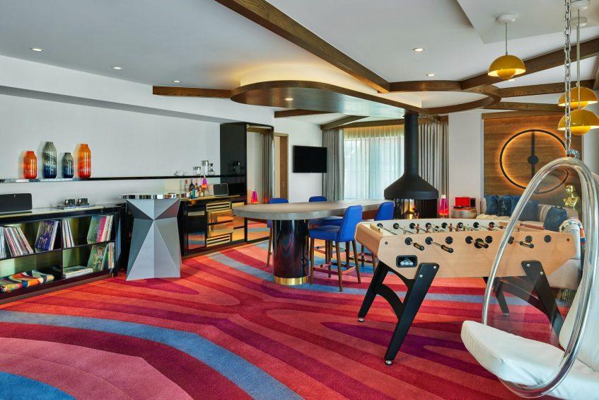 W Aspen Luxury Hotel - Aspen, CO, USA - Extreme Wow Suite Living Area