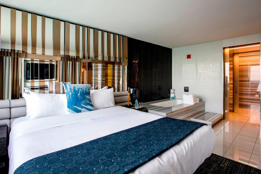 W Chicago Lakeshore Luxury Hotel - Chicago, IL, USA - WOW Suite Bedroom and Bathroom