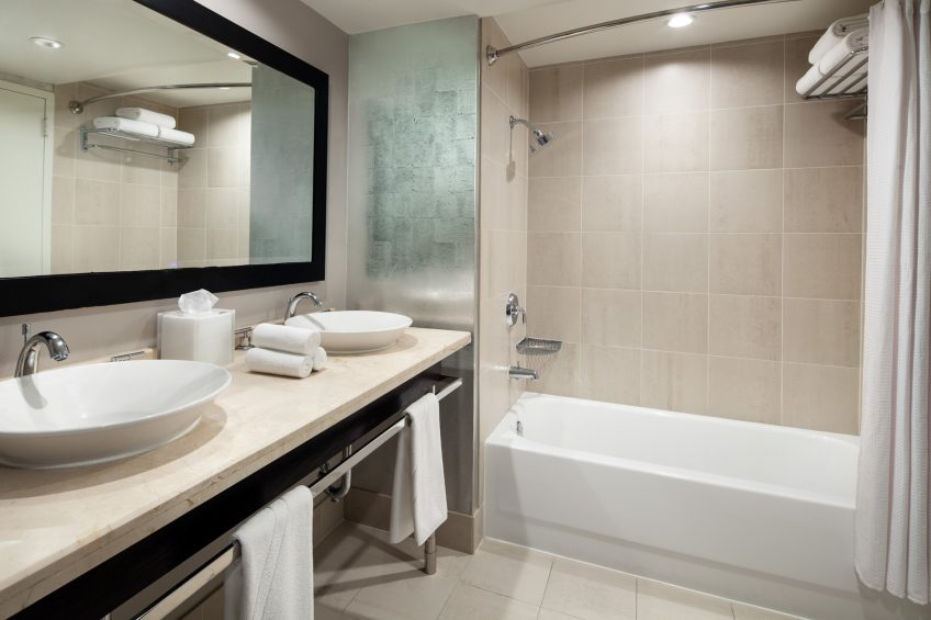 W Los Angeles West Beverly Hills Luxury Hotel - Los Angeles, CA, USA - Fantastic Studio Guest Bathroom