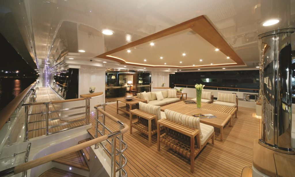 Discover Six of the Best Luxury Yachts for Sale - MY MARAYA - Salon