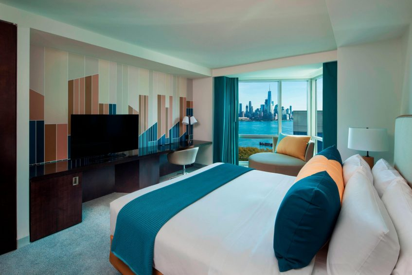 W Hoboken Luxury Hotel - Hoboken, NJ, USA - Fabulous King Guest Room