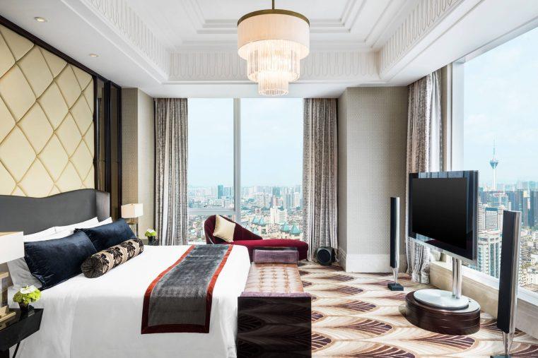 The St. Regis Chengdu Luxury Hotel - Chengdu, Sichuan, China - Presidential Suite Master Bedroom