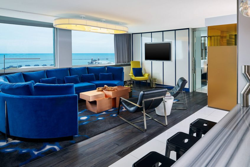 W Chicago Lakeshore Luxury Hotel - Chicago, IL, USA - WOW Suite Living Area View