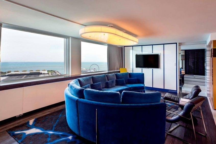 W Chicago Lakeshore Luxury Hotel - Chicago, IL, USA - WOW Suite Living Area