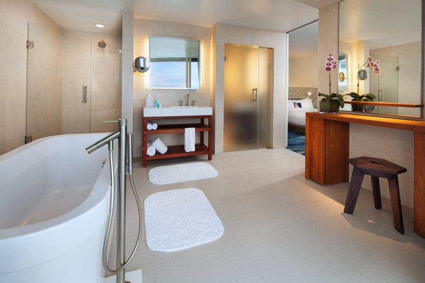 W Fort Lauderdale Luxury Hotel - Fort Lauderdale, FL, USA - Mega Guest Bathroom