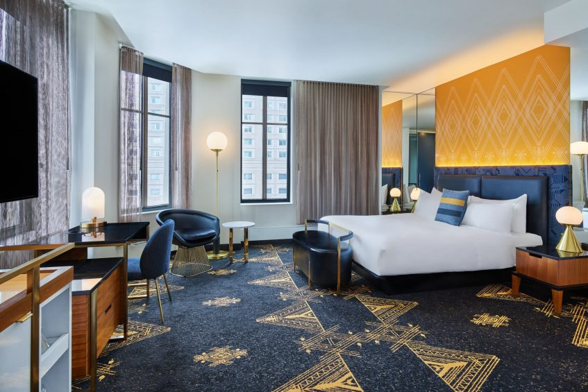 W Minneapolis The Foshay Luxury Hotel - Minneapolis, MN, USA - Cool Corner Guest Room