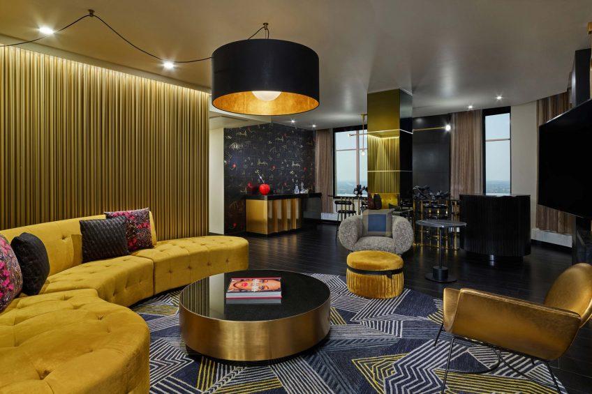 W Minneapolis The Foshay Luxury Hotel - Minneapolis, MN, USA - Extreme Wow Suite Living Room