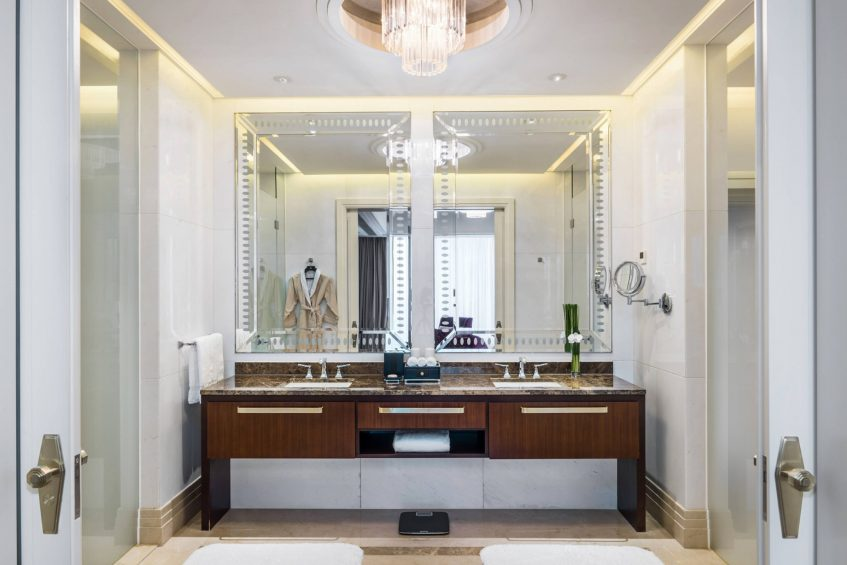 The St. Regis Chengdu Luxury Hotel - Chengdu, Sichuan, China - Governor Suite Bathroom