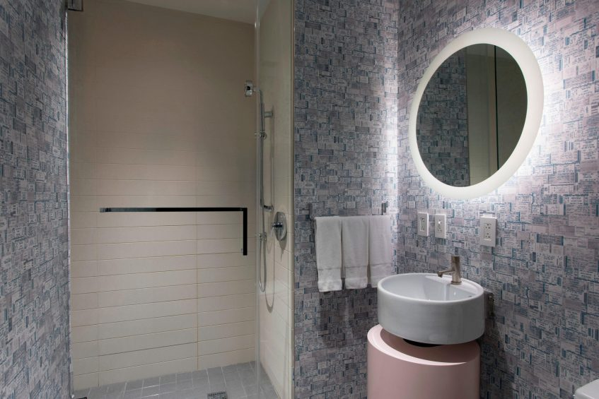 W New York Times Square Luxury Hotel - New York, NY, USA - E WOW Guest Bathroom