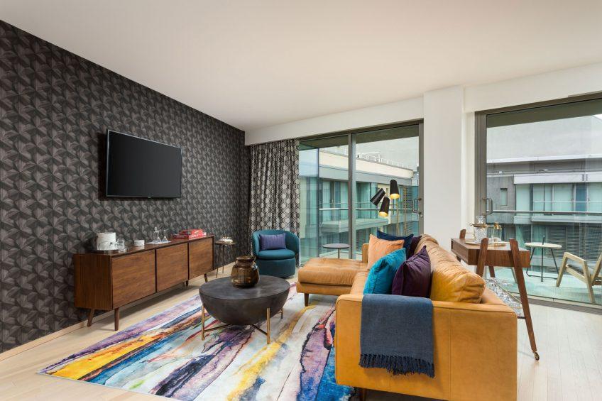 W Scottsdale Luxury Hotel - Scottsdale, AZ, USA - Fantastic Suite Living Area