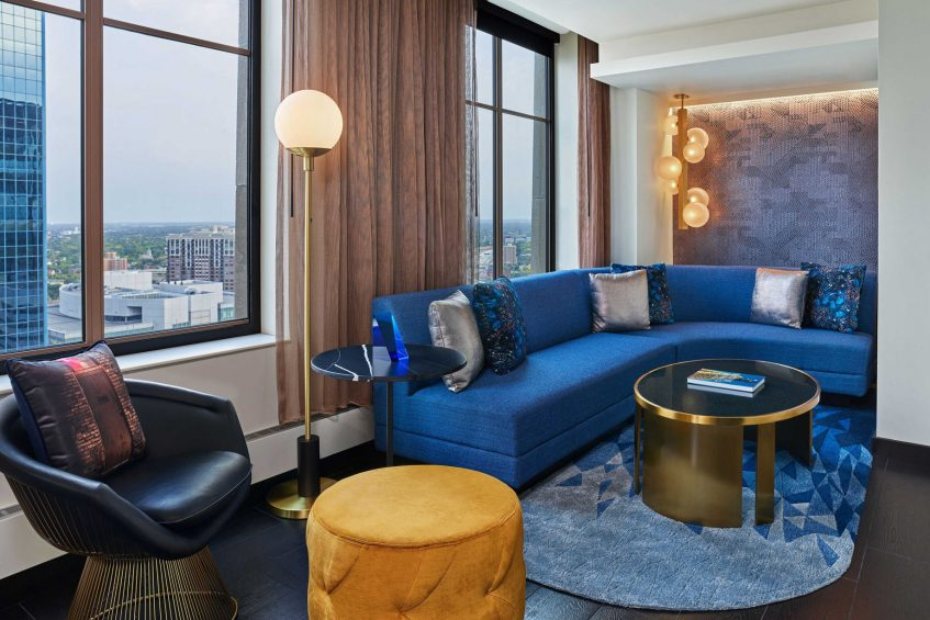 W Minneapolis The Foshay Luxury Hotel - Minneapolis, MN, USA - Fantastic Suite Living Room