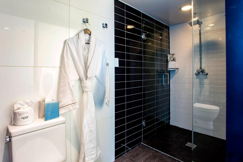 W Chicago Lakeshore Luxury Hotel - Chicago, IL, USA - Marvelous Suite Bathroom