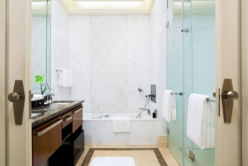 The St. Regis Chengdu Luxury Hotel - Chengdu, Sichuan, China - Deluxe Room Guest Bathroom