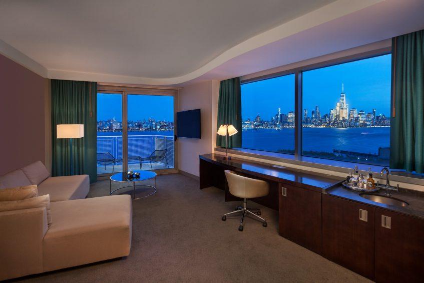 W Hoboken Luxury Hotel - Hoboken, NJ, USA - Fantastic Suite Living Room
