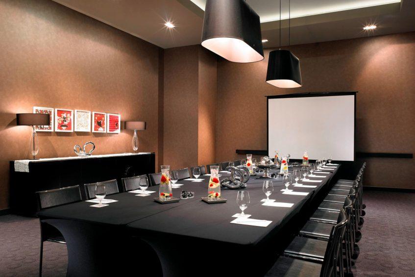 W Hollywood Luxury Hotel - Hollywood, CA, USA - Strategy Room