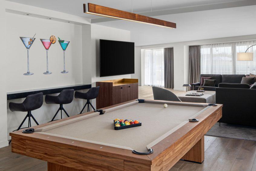 W Scottsdale Luxury Hotel - Scottsdale, AZ, USA - Mega Suite Pool Table