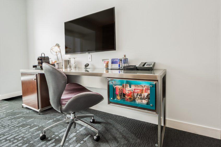 W Seattle Luxury Hotel - Seattle, WA, USA - Guest Room Living Area