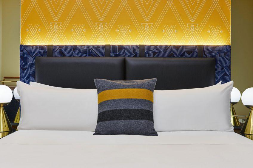 W Minneapolis The Foshay Luxury Hotel - Minneapolis, MN, USA - Guest Room King